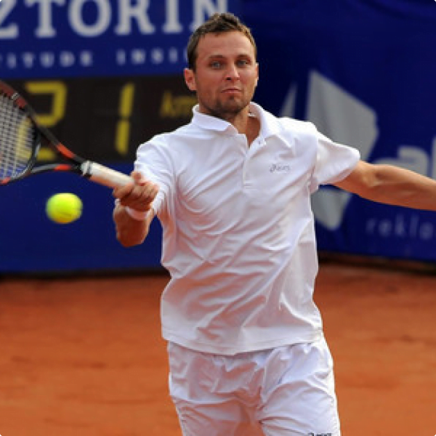 Tomasz Bednarek, ranked on 44 tennis player of the world, has joined the group of our clients. Squares Studio 3